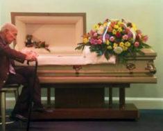 Las palabras del viudo a su mujer fallecida hace que las lágrimas broten