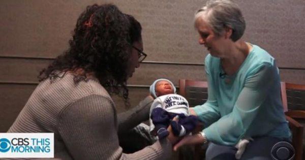 Mamá recibe misteriosa nota de enfermera. Luego bautiza al hijo con el nombre de un desconocido