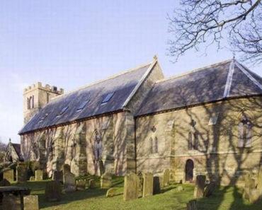 Una Pareja Compró Una Vieja Iglesia Abandonada. Lo Que Hicieron Es Increíble