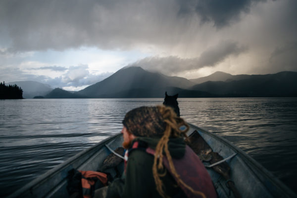 Este Hombre Vive Solo En Una Remota Isla De Alaska Coyotitos