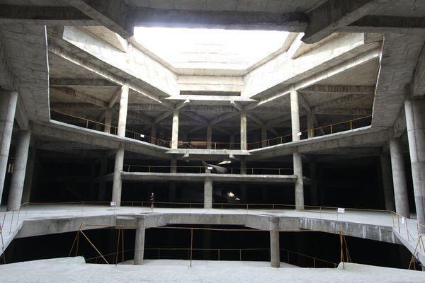 Esta es la peor construcción del mundo y jamás ha abierto sus puertas