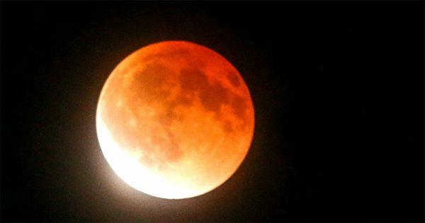 La Luna de sangre: Amantes de las estrellas, preparaos para el eclipse de Luna más largo del siglo