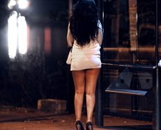 Joven de Tlaxcala visita Oaxaca para enamorar a una bella jovencita