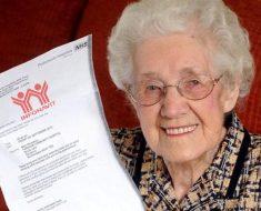 Abuelita de 95 años termina de pagar la casa de Infonavit