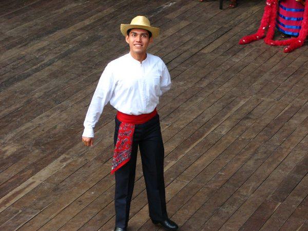 Trajes típicos de Campeche para hombre