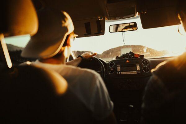 ¿Planeando un viaje largo de vacaciones? Revisa esto en tu carro antes de salir